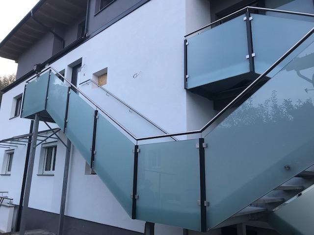 Stiegenaufgang Außenbereich Schlosserei Graßmair Rinn