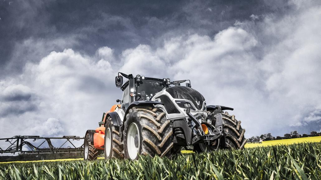 Valtra Traktor im Einsatz